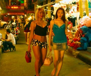 bangkok-nightlife-gay-girls-or-ladyboy1